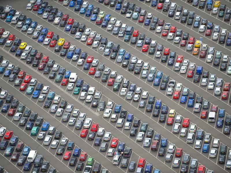 Organised parking lot in diagonal direction